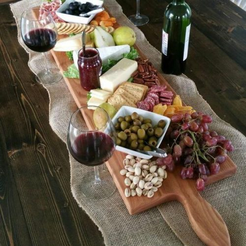 grazing-tables-thrown-at-home-with-food-delivery